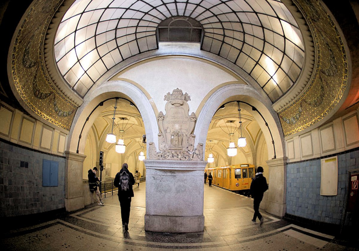 00k Heidelberger Platz Metro station. Berlin. 02.12.12
